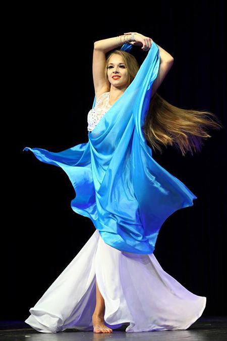 Polina-orijentalni-ples